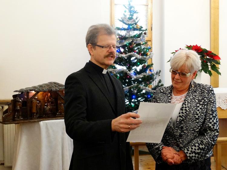Pożegnanie odchodzącej na emeryturę pani Grażyny Karlickiej.